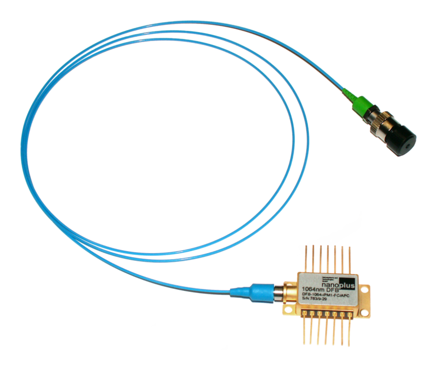 butterfly package with polarization maintaining fiber